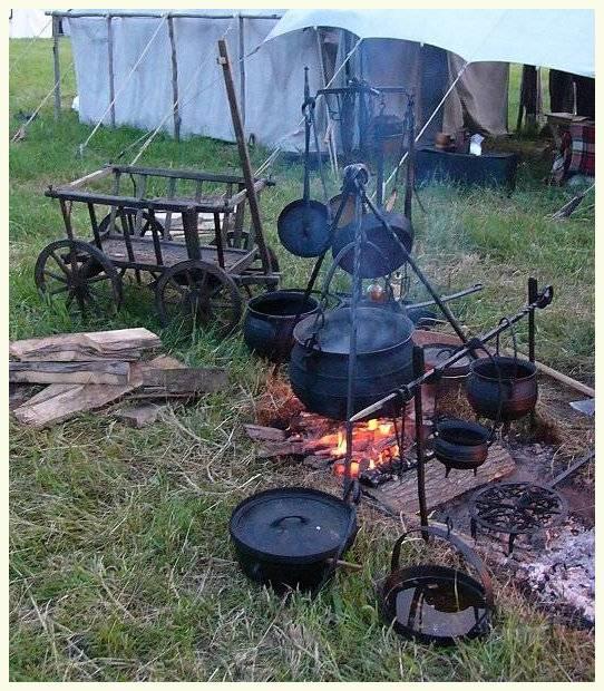 Lodge Camp Dutch Oven Lid Stand